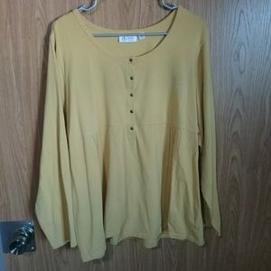 Brand new without tags cute top!